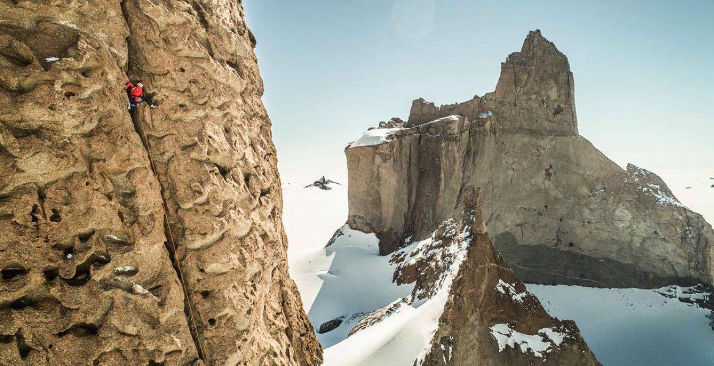 Antarctique  : ouvertures de big wall pour Alex Honnold et son équipe – Antarctica: big wall first ascents by Honnold and his teamates