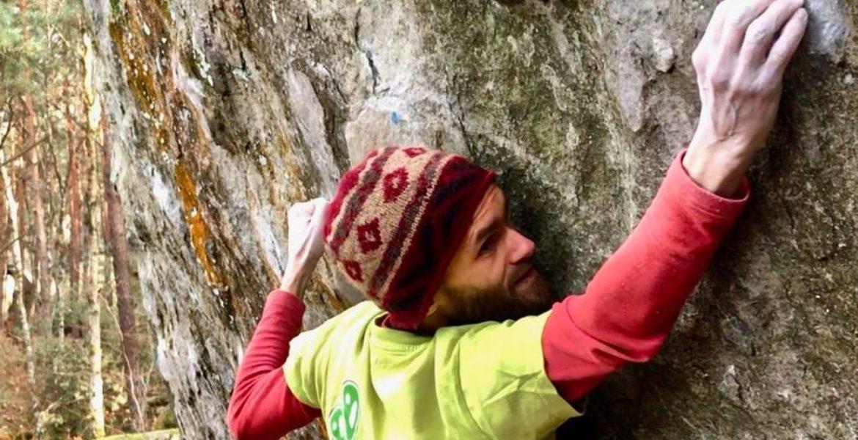 Répétitions de traversées dures à Fontainebleau – Recent Extreme Traverse Repeats in Font