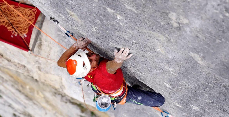 Cédric Lachat réalise la première répétition de Fly, 550 m, 8c, Lauterbrunnental – First repeat of Fly, 8c, 550m, Lauterbrunnental by Cédric Lachat