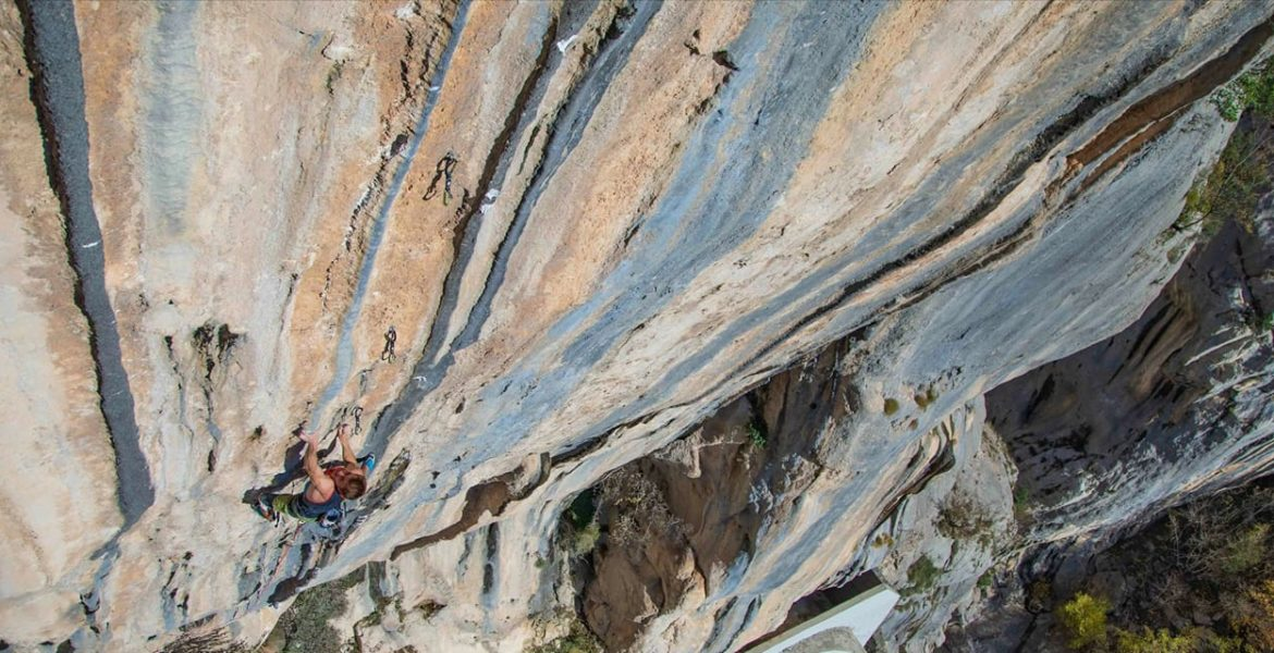 Première ascension de The Dream 9b par Seb Bouin – First ascent of The Dream 9b by Seb Bouin