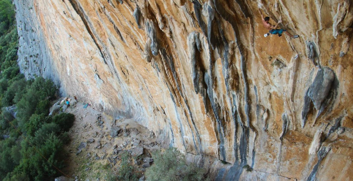 Grimpe en milieu naturel : qui est le plus fort ? – Rockclimbing: who is the strongest?