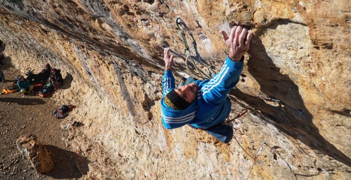 Cantobre, must de l'escalade sur trous – Cantobre, pocket climbing at its finest