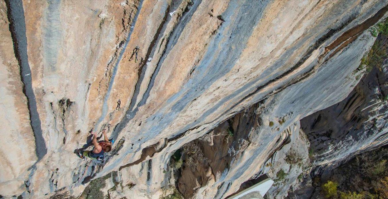 Première ascension de The Dream 9b par Seb Bouin – First ascent of The Dream 9b by Seb Bouin