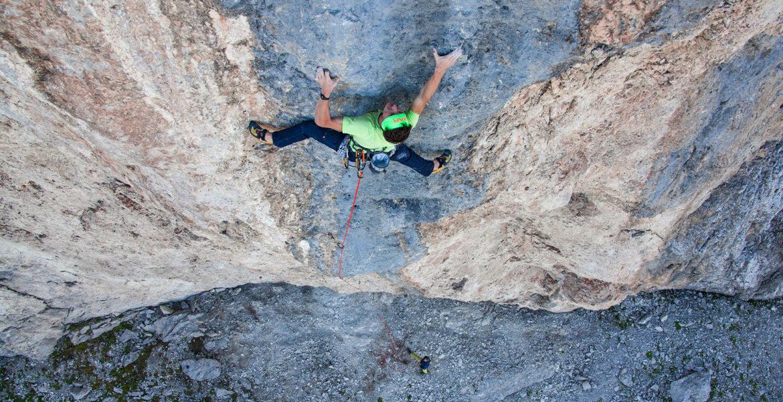 Alessandro Zeni propose Cani Morti Plus 8c dans les Dolomites – Alessandro Zeni climbs Cani Morti Plus 8c in Dolomites