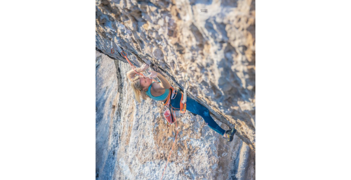 Interview: Julia Chanourdie, 3ème fille dans le 9b ! – Interview: Julia Chanourdie, the third woman to climb 9b