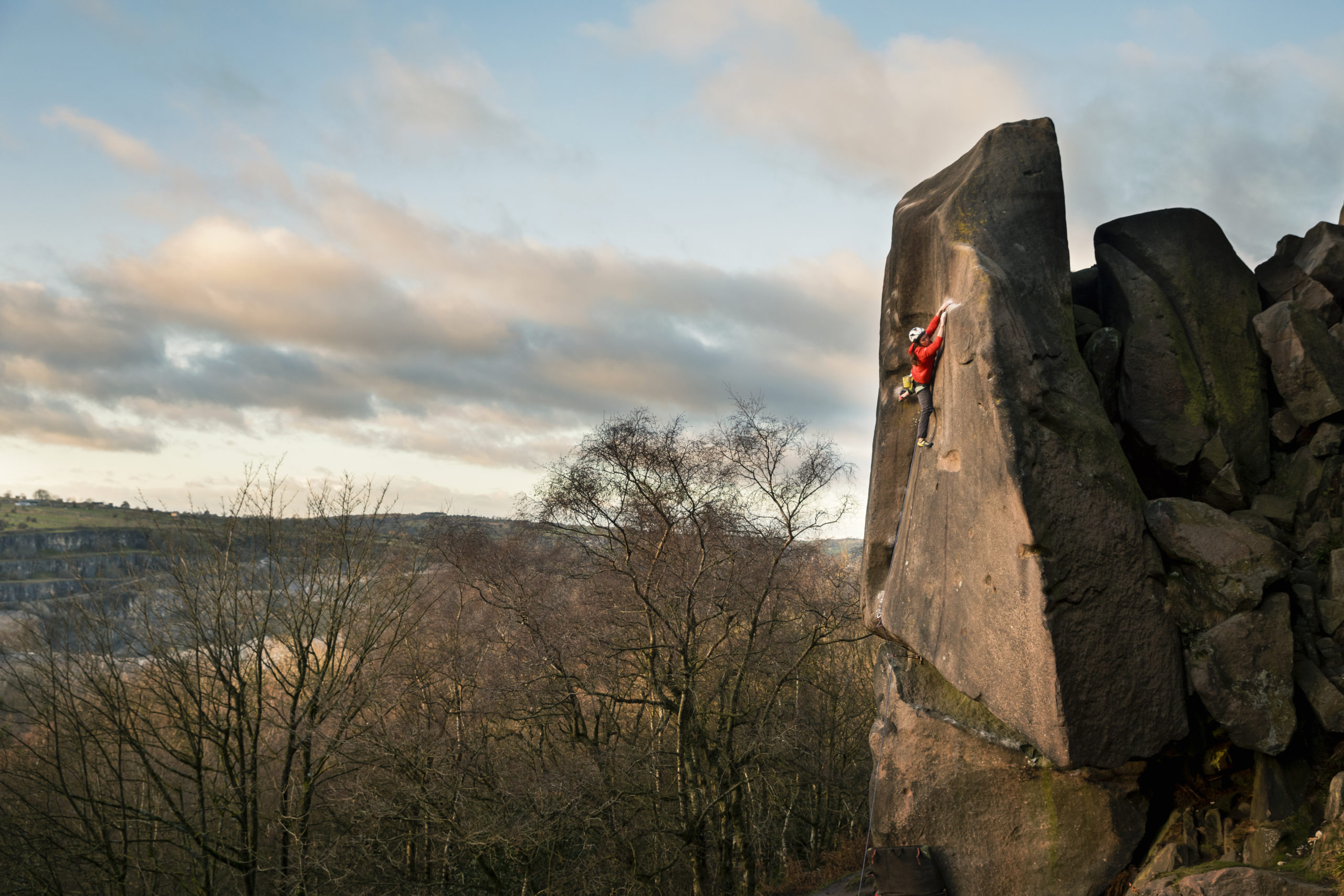 Caroline Ciavaldini dans Gaia, Black Rocks, Peak District