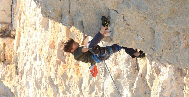 Guère d'usure 8c pour Théo Blass, 11 ans ! – Théo Blass, 11 years old climbs Guère d'usure 8c